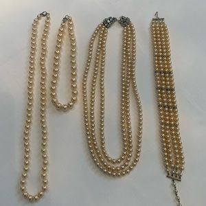 Jewelry - Vintage Costume Pearl Necklace Suite